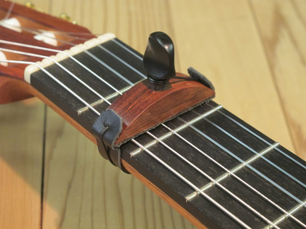 catch good looking super quality Capodastre (cejilla) | Fabien Ballon - Luthier en Guitare ...